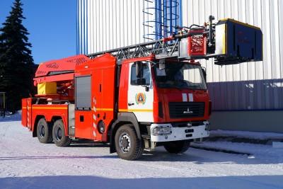 Фото Автолестница пожарная АЛ-32 (6302) со съемной люлькой на вершине стрелы